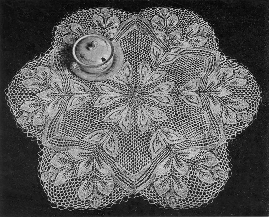 Free Knitting Pattern Lace Doily : Hojas (?Leaves?) Doilyheads Blog